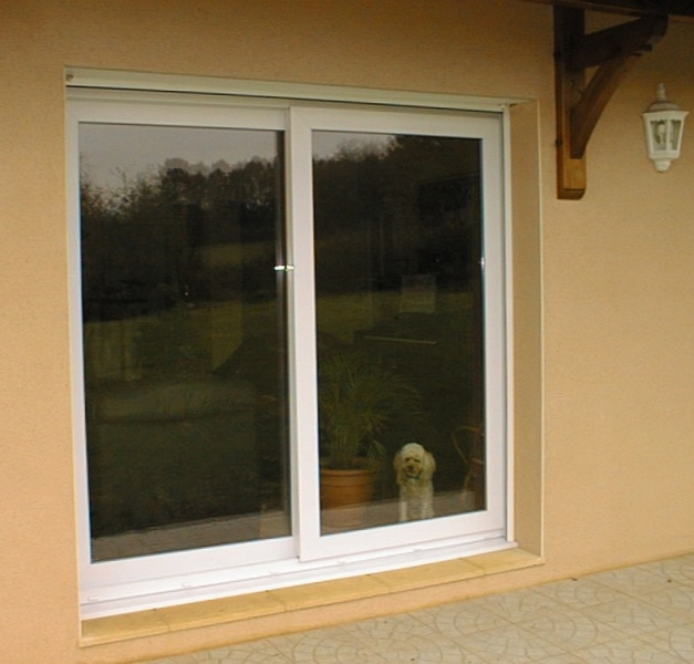 Fen tres pvc menuiseries seguy for Fenetre pvc coulissante renovation